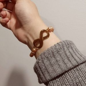 Jewelry - Infinity Bracelet with rose gold Pearl